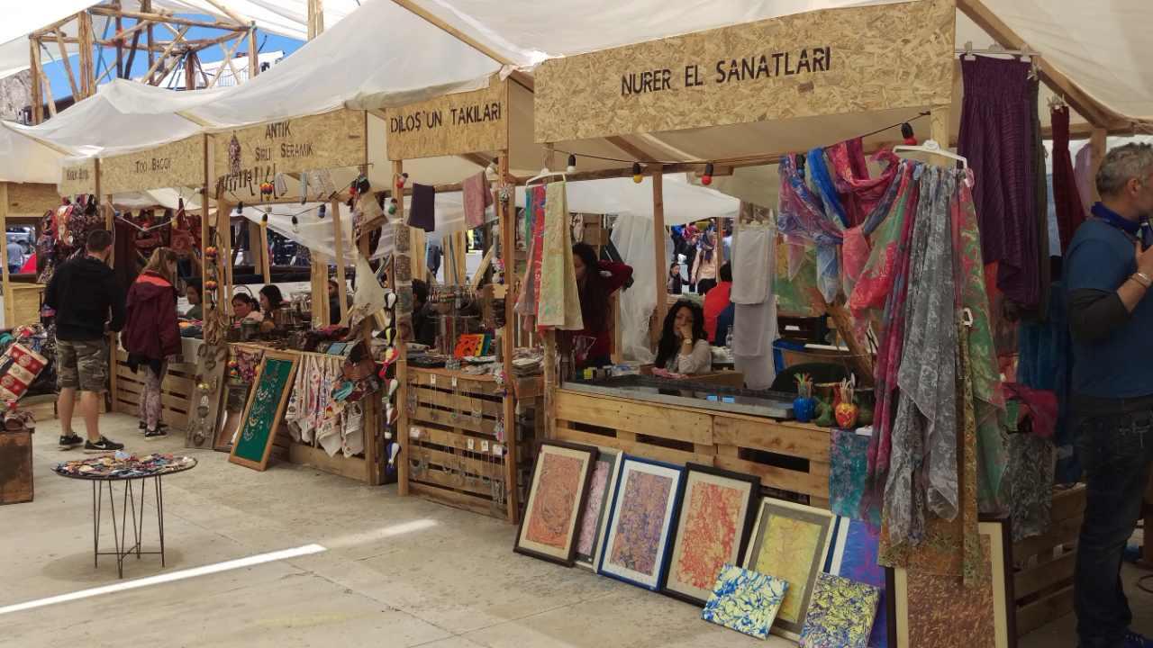 Cappadox festivalhart Uchisar bazar