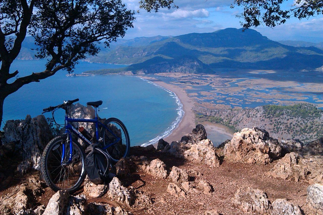 ECO trails fiets Iztuzu uitzicht