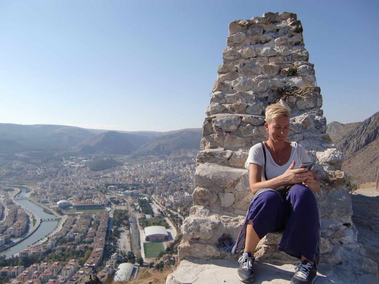 Rondreis Midden Turkije Turkeytraveller Margreet op burcht Kastamonu