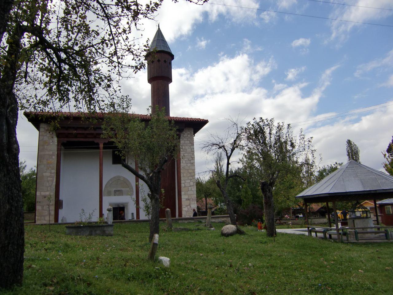 Rondreis Midden Turkije Mahmud Bey Camii Kasaba houten moskee