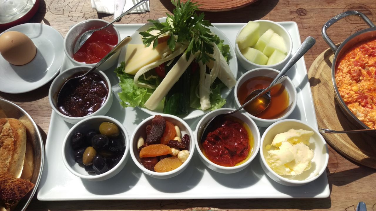 Turks ontbijt West cafe Akyaka