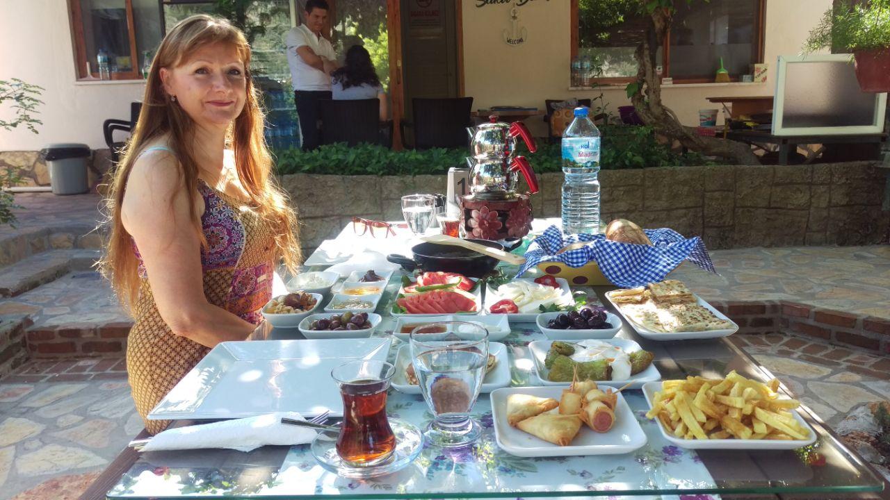 Turks ontbijt sakli bahce Dalyan