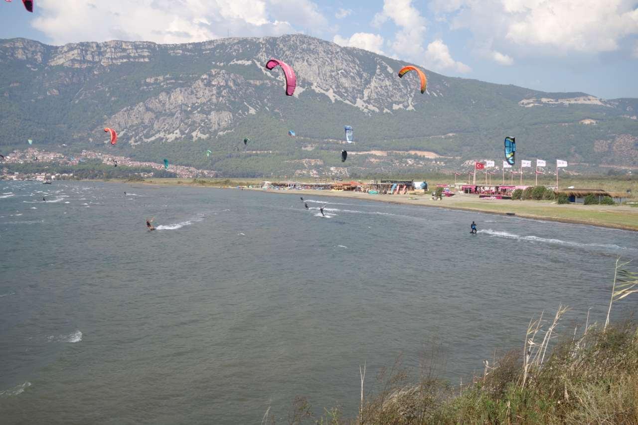 Rondreis Westkust Turkije Akyaka kitesurf strand