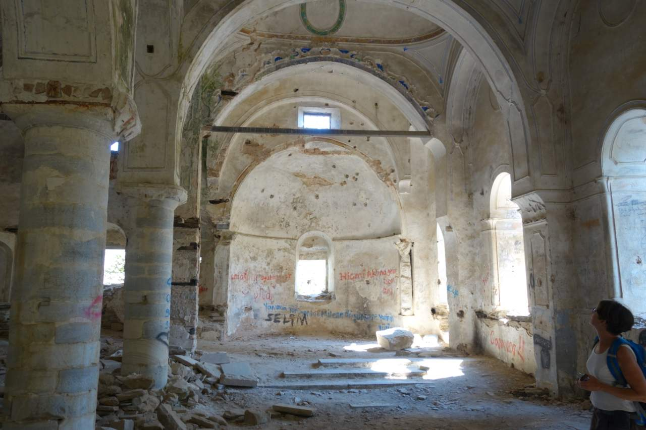 Rondreis Westkust Turkije Güllübahce kerk ruïne