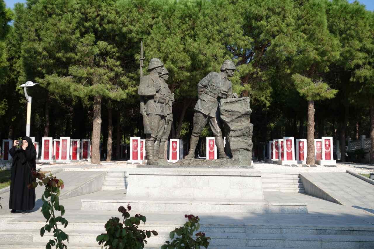 Rondreis Westkust Turkije monument Turkse soldaten