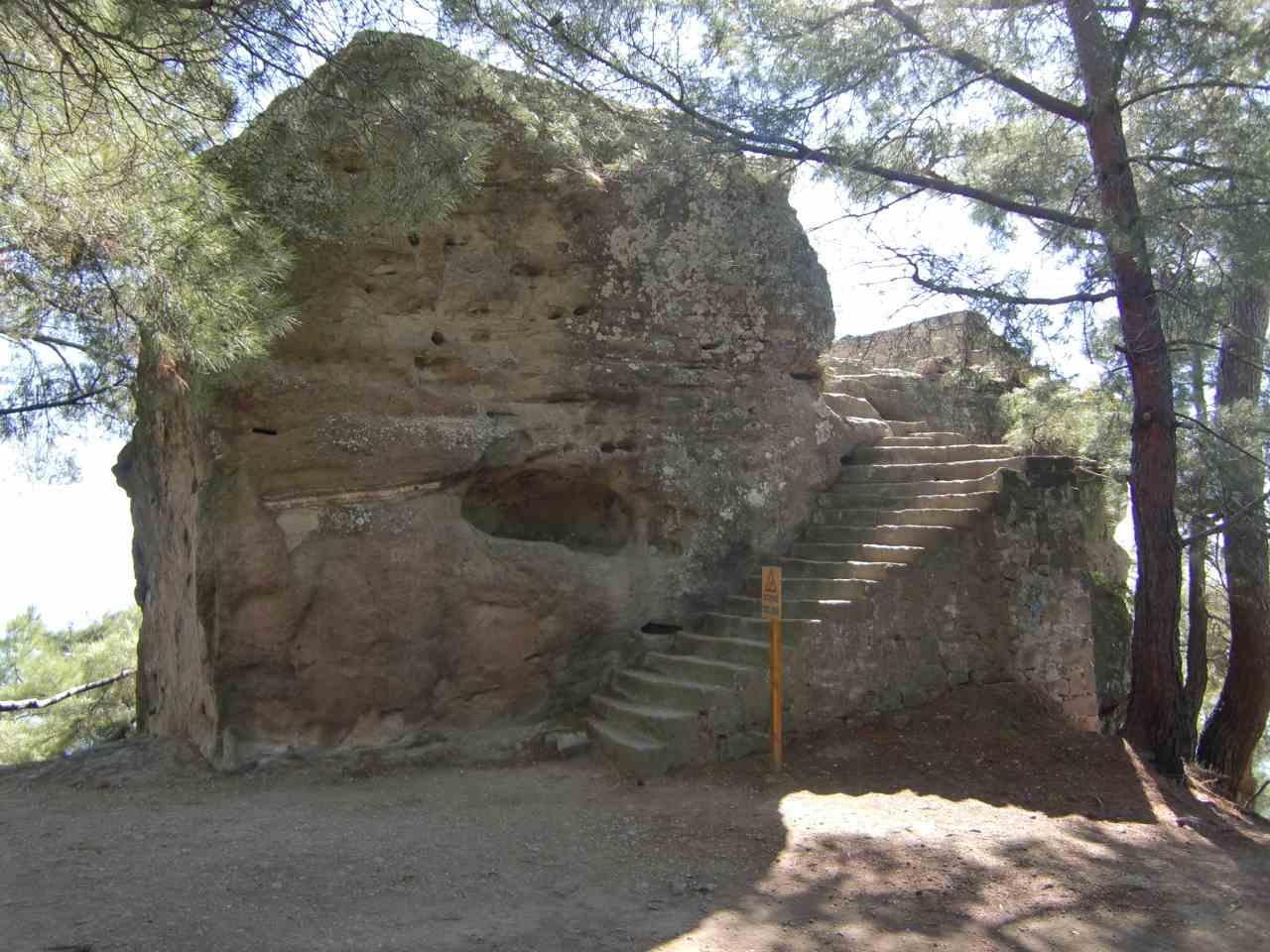 Rondreis westkust Turkije Adatepe Zeus altaar