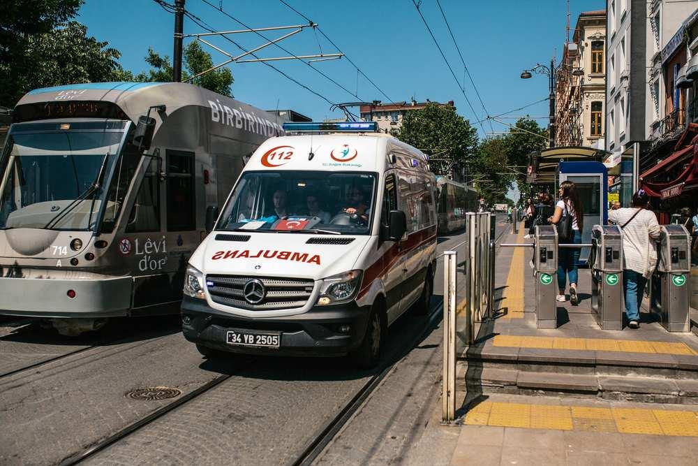 Verkeersongeval Turkije aansprakelijkheid ambulance