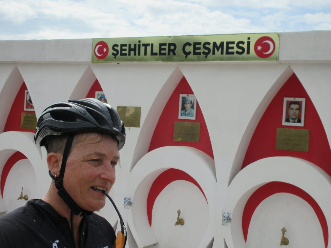 Bikefun Turkije monument gevallenen