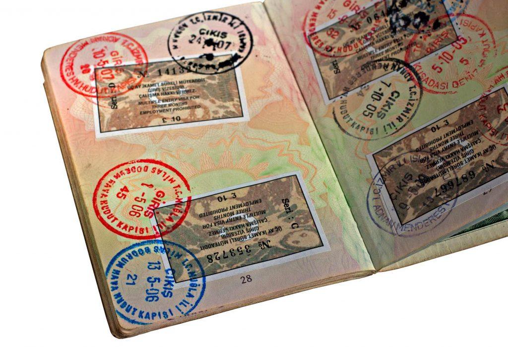 paspoort met Turkse visum stempels