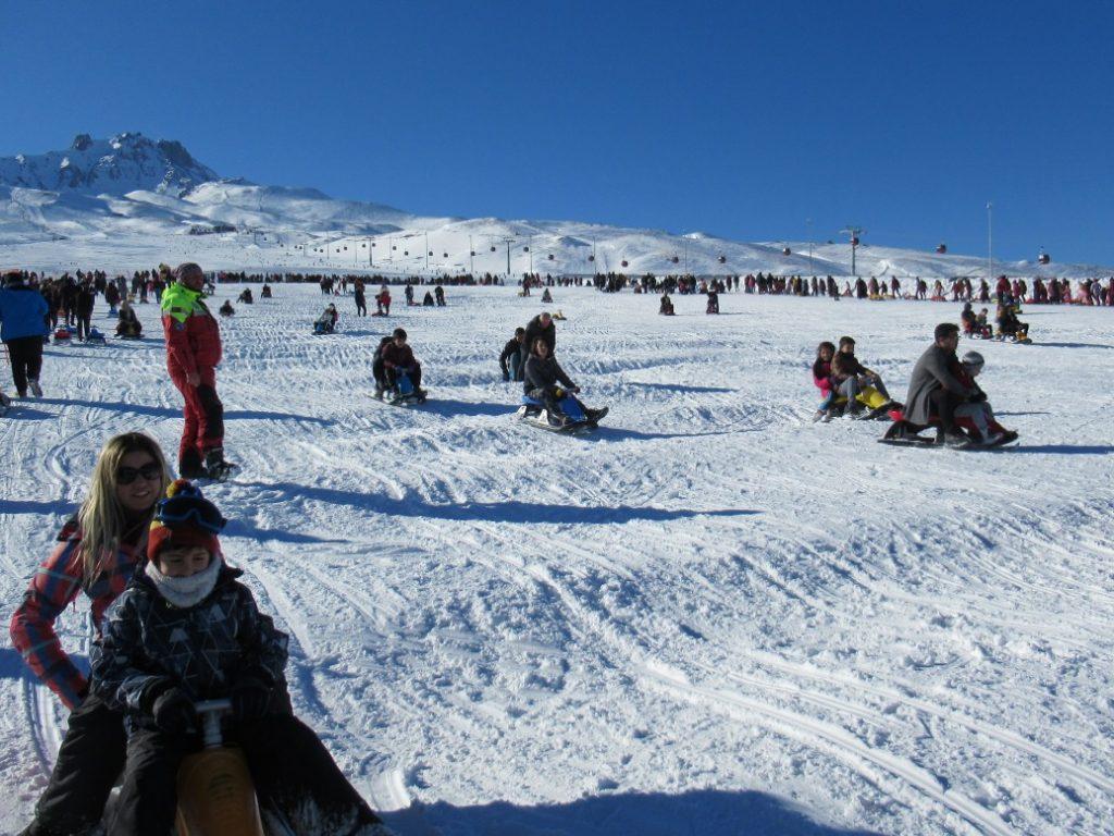 Wintersport op Erciyes, sleeën